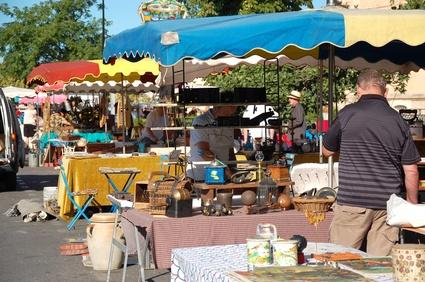 Schätze finden auf dem Flohmarkt